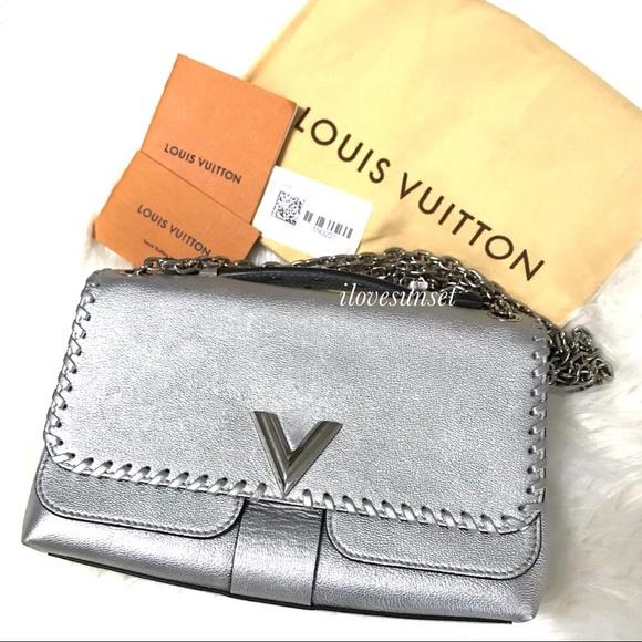 Louis Vuitton Handbags - {Louis Vuitton} ❣️Add'l Pictures Silver Chain Bag